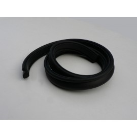 Soft top front seal